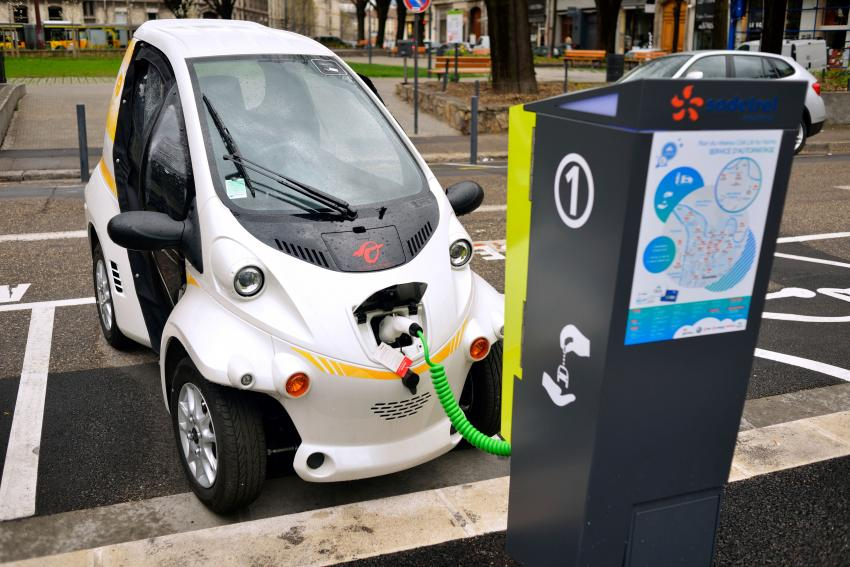 Colombia seen lacking government incentives to push EV
