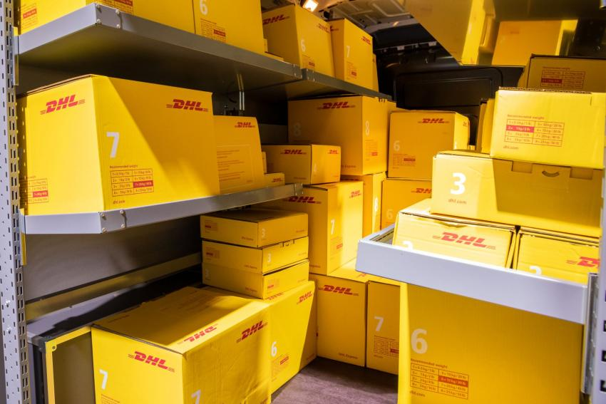 DPDHL boosts business with cloud services.